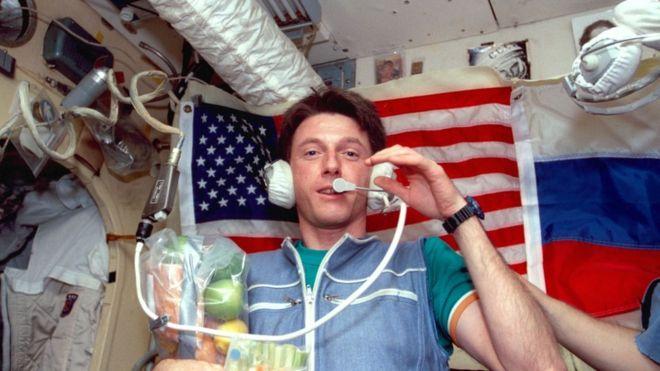 astronauta-michael-foale-sobrevivio-choque