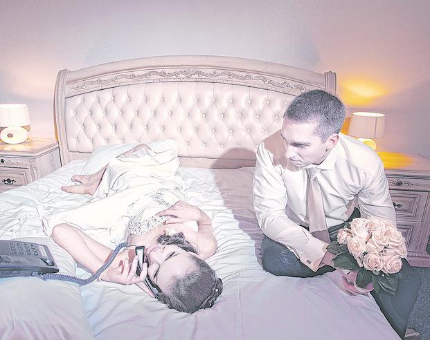 Recin casada y follando en la noche de bodas - Casadas