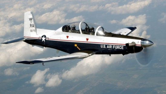 Llegan a Córdoba los aviones militares que Argentina compró a Estados Unidos